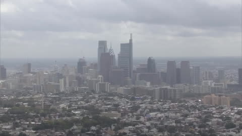 aerial shot of philadelphia showing the city skyline on september 25, 2018. - aerial or drone pov or scenics or nature or cityscape stock videos & royalty-free footage