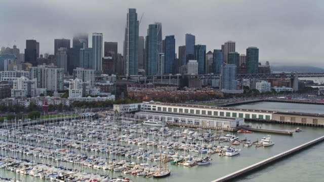 vídeos y material grabado en eventos de stock de toma aérea de south beach, san francisco - embarcadero