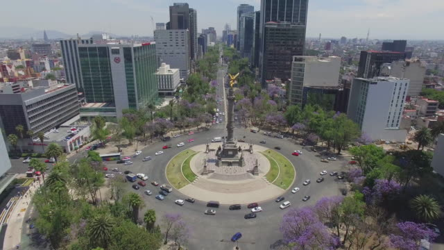stockvideo's en b-roll-footage met aerial shot of the angel de la independencia roundabout in mexico city - mexico stad