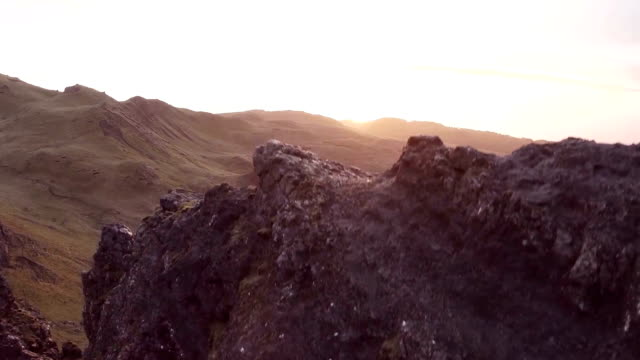 aerial shot of the beautiful landscape around the old man of storr on the isle of skye (scotland) - insel skye stock-videos und b-roll-filmmaterial
