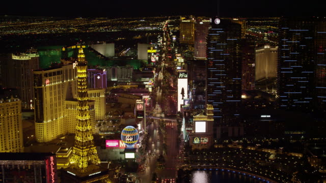 w/s aerial shot of the las vegas strip - the strip las vegas stock-videos und b-roll-filmmaterial