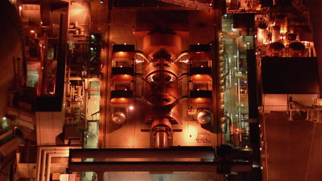 vídeos y material grabado en eventos de stock de aerial shot of the san onofre nuclear generating station in san diego county, california, at night. - nuclear energy