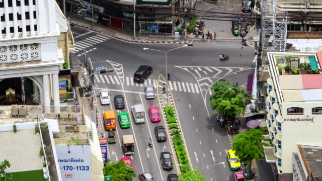vídeos de stock e filmes b-roll de aerial shot of traffic jam in bangkok city - 4k resolution