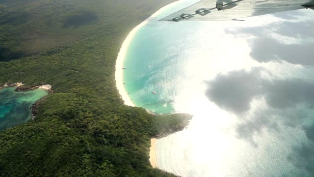 aerial shot of withe haven beach in the whitsundays island - great barrier reef stock videos & royalty-free footage
