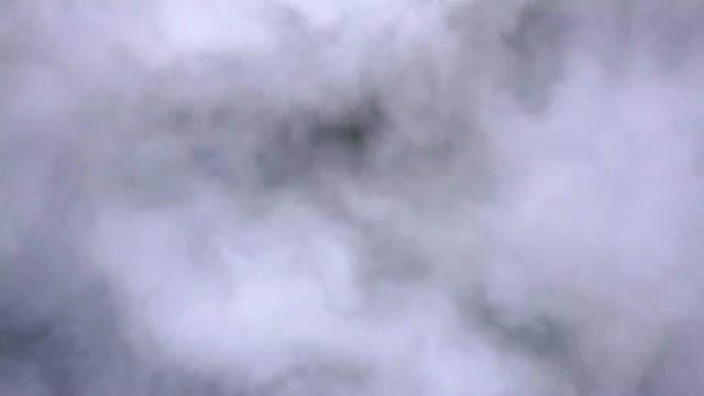 aerial shot på molnen ovanför molnen med sol uppgång tid, drömmer och inspiration koncept - ängel bildbanksvideor och videomaterial från bakom kulisserna