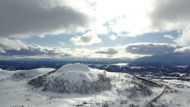 Luchtfoto schot een bergtop in Rauland van bovenaf bekijken.