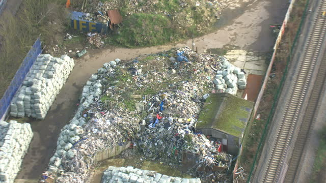 stockvideo's en b-roll-footage met aerial shots of a landfill site full of heaps of rubbish on february 2 2016 in swindon england - afvalverwerking