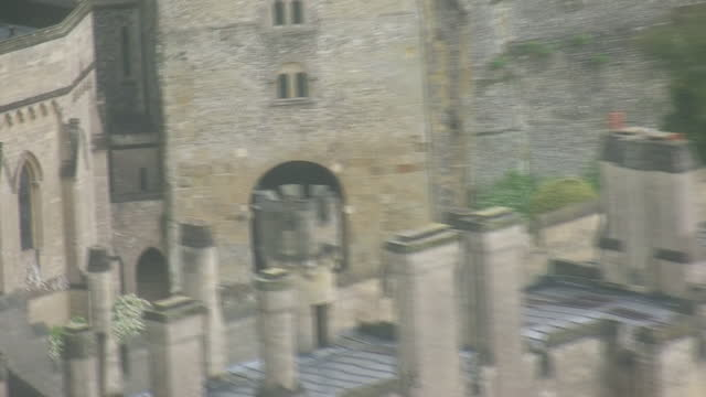 aerial shots of arundel castle in west sussex, 24th may 2021, united kingdom - arundel castle stock videos & royalty-free footage