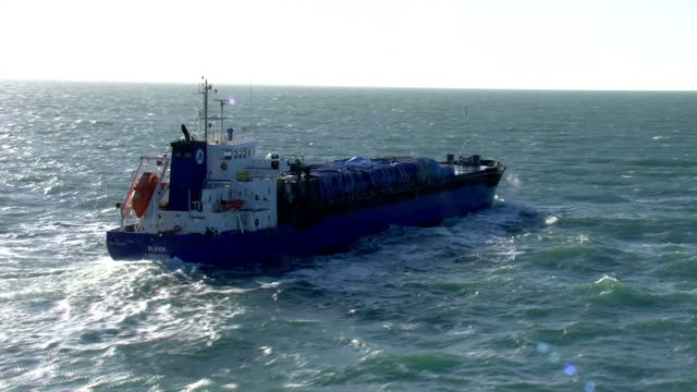aerial shots of cargo ships at sea on the english channel on january 19 2018 at sea near england - ärmelkanal stock-videos und b-roll-filmmaterial