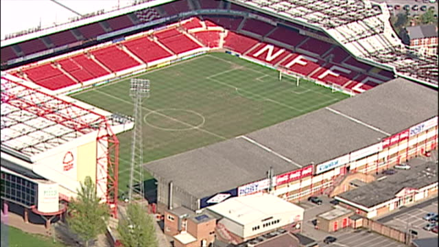 aerial shots of city ground stadium home of nottingham forest football club including club badge andtthe brian clough stand ** note this clip has no... - ゴールを狙う点の映像素材/bロール