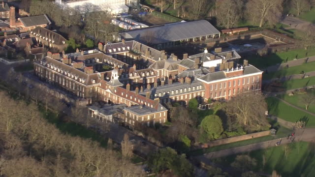 aerial shots of kensington palace on 10 january 2020 in london united kingdom - kensington palace video stock e b–roll