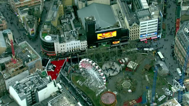 aerial shots of leicester square and odeon cinema where the premiere of star wars the force awakens is taking place at leicester square on december... - odeon kinos stock-videos und b-roll-filmmaterial