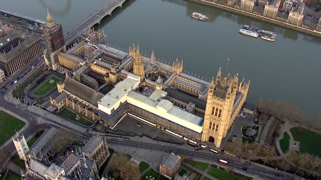 aerial shots of london and the houses of parliament, westminster abbey and whitehall on 21st february 2021 in london, united kingdom. - ウェストミンスター宮殿点の映像素材/bロール