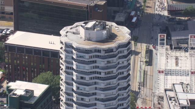 aerial shots of the no. 1 croydon building on 23 august 2019 in london, united kingdom. - ロンドン クロイドン点の映像素材/bロール