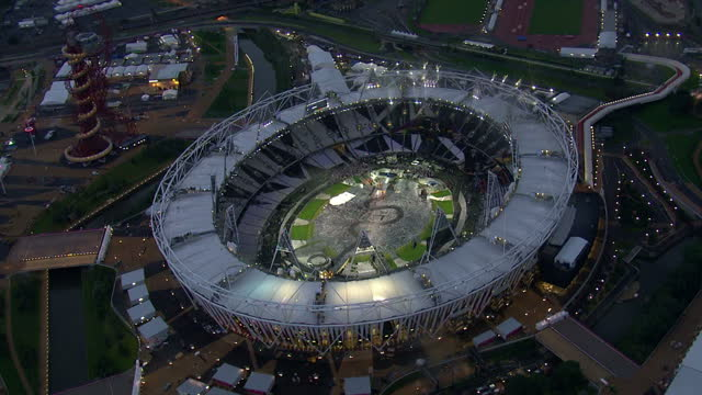 aerial shots of the olympic stadium at dusk sky news 2012 olympics coverage on june 12 2012 in london england - ロンドン ストラトフォード点の映像素材/bロール