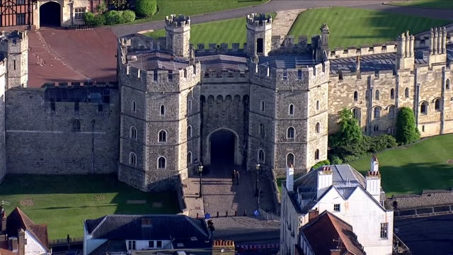 aerial shots of windsor castle including aerials of st george's chapel and the entrance to windsor castle on 18th may 2018 in windsor england united... - windsor castle stock videos & royalty-free footage