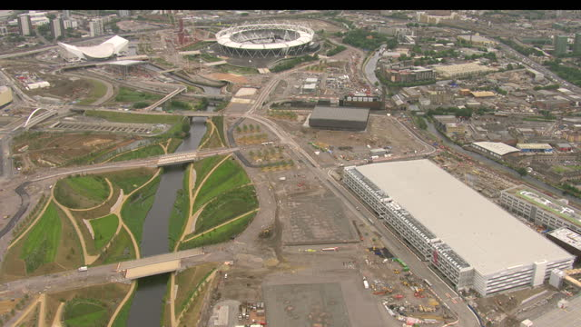 aerial shots olympic park including velodrome aquatics centre broadcast and press centre and basketball arena olympic park aerials on august 07 2011... - ロンドン オリンピックパーク点の映像素材/bロール