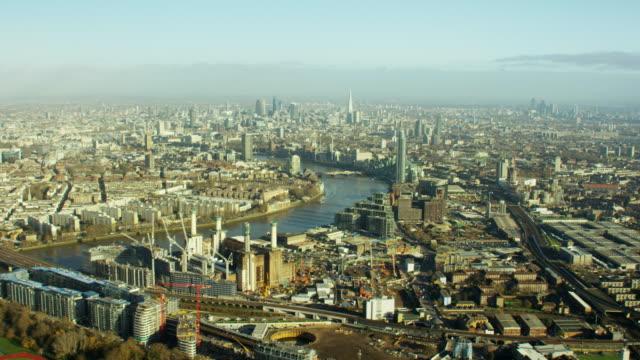 stockvideo's en b-roll-footage met aerial skyline view of london uk - wandsworth