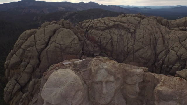 aerial south dakota mt rushmore - president stock videos & royalty-free footage