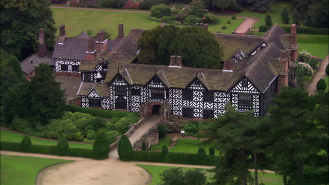 stockvideo's en b-roll-footage met aerial speke hall/ liverpool, england - landhuis