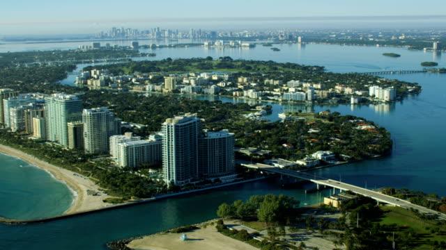 stockvideo's en b-roll-footage met aerial sunrise bal harbour condominium resort biscayne bay - biscayne bay