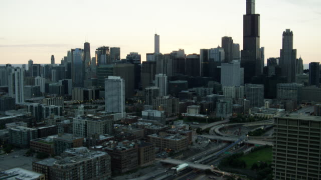 aerial sunrise cityscape view of chicago illinois us - aerial transport building stock videos & royalty-free footage