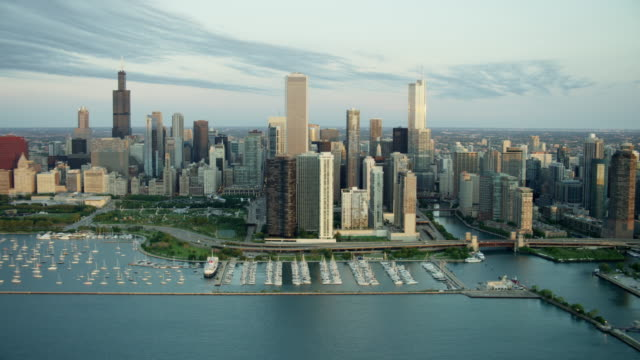 stockvideo's en b-roll-footage met aerial sunrise view boats on lake michigan chicago - chicago illinois