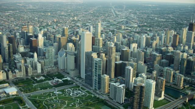 aerial sunrise view of chicago usa cityscape - millennium park chicago bildbanksvideor och videomaterial från bakom kulisserna