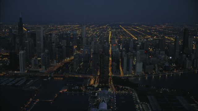 vídeos y material grabado en eventos de stock de aerial sunrise view of chicago waterfront navy pier - cuadrícula