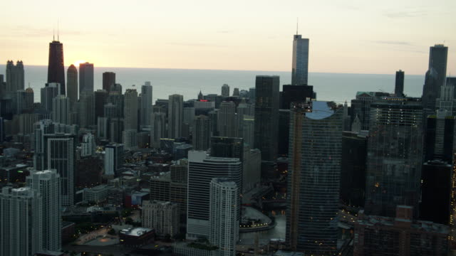 aerial sunrise view of modern chicago skyscraper buildings - red lake stock videos & royalty-free footage