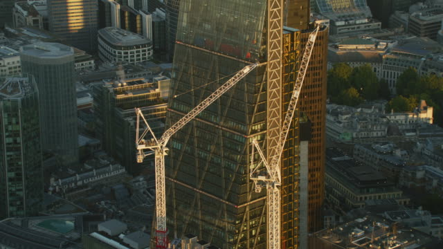 aerial sunrise view the leadenhall building london england - narrow stock videos & royalty-free footage