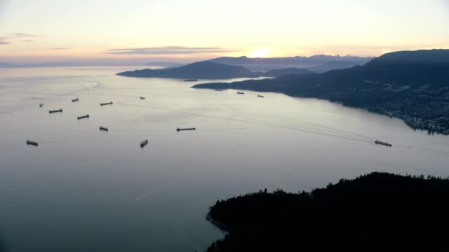 stockvideo's en b-roll-footage met aerial sunset view burrard inlet british columbia canada - voor anker gaan