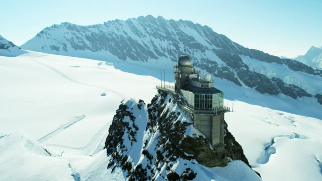 vidéos et rushes de aerial switzerland jungfraujoch sphinx observatory mountain nature alps - alpes suisses