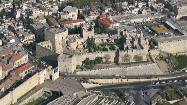 vidéos et rushes de aerial the tower of david in the old city of jerusalem, israel - forteresse