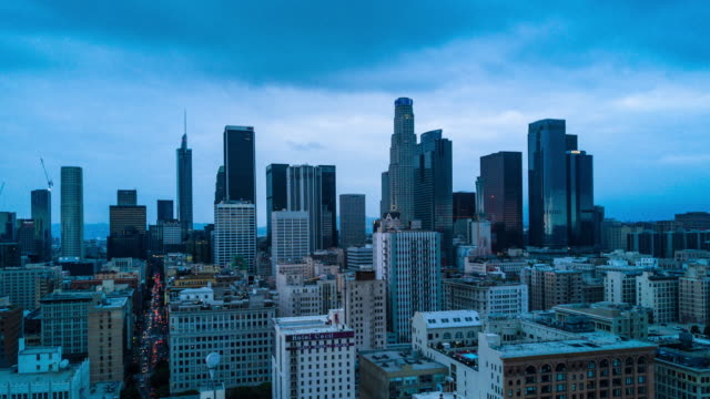 vídeos de stock e filmes b-roll de aerial time lapse of downtown los angeles - city of los angeles