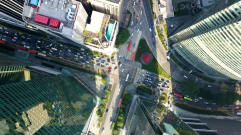 新加坡城市道路交叉路口的航段延時 - day 個影片檔及 b 捲影像