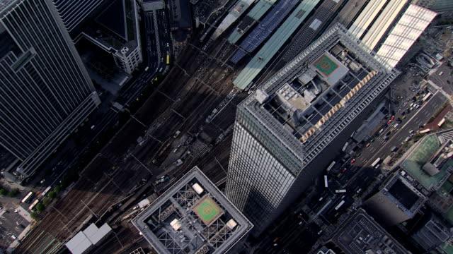 aerial tokyo national rail station shinkansen bullet train - ビジネスと経済点の映像素材/bロール