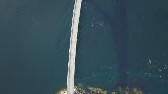aerial top view: breathtaking road in the ocean, atlantic road, norway - oberteil stock-videos und b-roll-filmmaterial