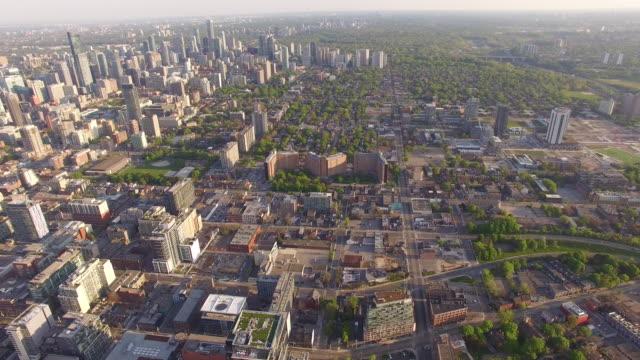 4K Aerial Toronto: Pan Down Toronto Cityscape