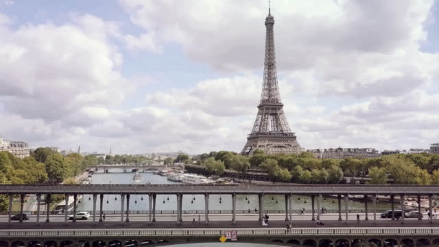aerial tour eiffel paris - eiffel tower paris stock videos & royalty-free footage