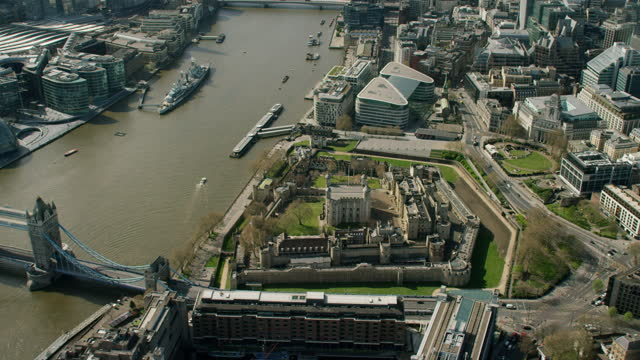 aerial tower of london deserted enforced covid19 lockdown - pier stock videos & royalty-free footage