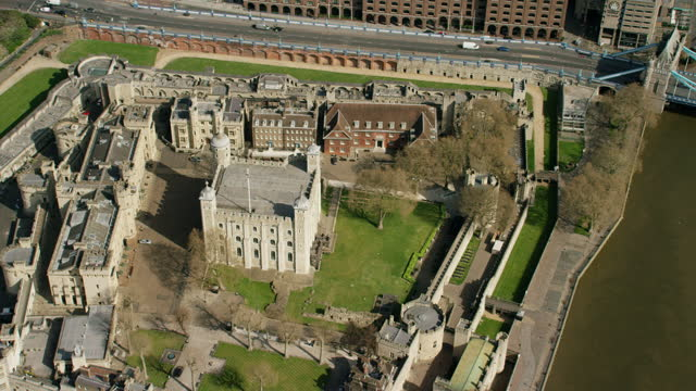 aerial tower of london empty enforced covid19 lockdown - pier stock videos & royalty-free footage