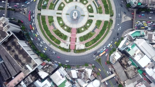 aerial traffic circle - traffic circle stock videos & royalty-free footage