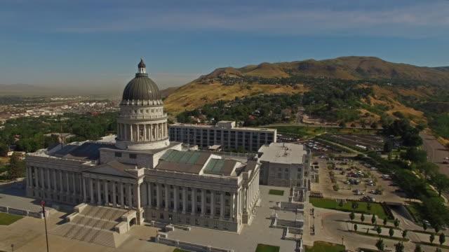 aerial utah salt lake city - salt lake city utah bildbanksvideor och videomaterial från bakom kulisserna