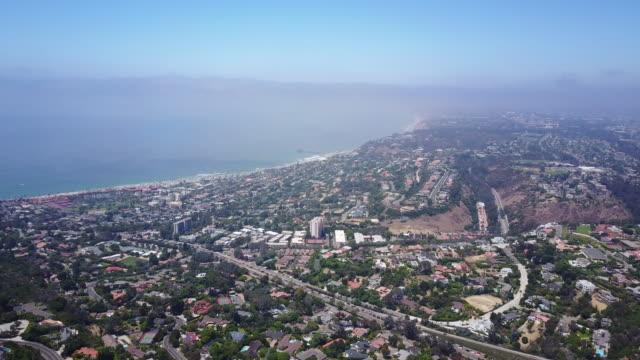 vidéos et rushes de aerial, vast san diego coastline - san diego