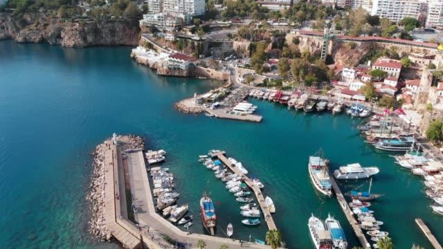 Aerial video Antalya Altstadt und Hafen