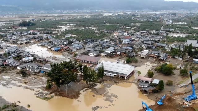 aerial video footage taken on oct 15 shows areas with major flooding in nagano prefecture after typhoon no 19 swept through the prefecture video... - 見せる点の映像素材/bロール