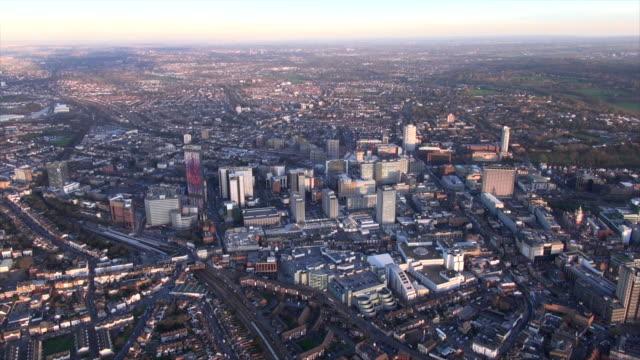 aerial video of croydon by dusk. - ロンドン クロイドン点の映像素材/bロール