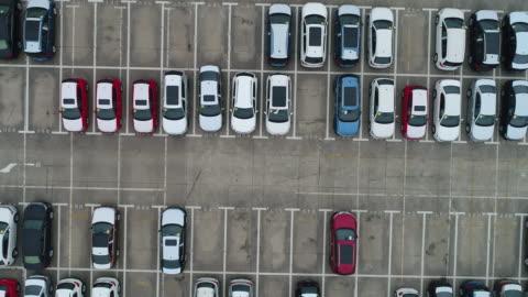 vídeos y material grabado en eventos de stock de aerial view a lot of car for import and export shipping by ship,shanghai,china - aparcamiento