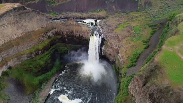 aerial view above and across palouse falls - palouse stock videos & royalty-free footage